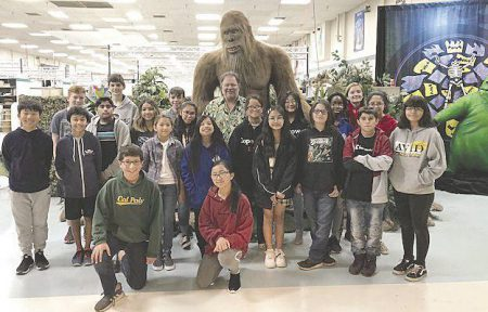 Garner Holt and animatronic with students